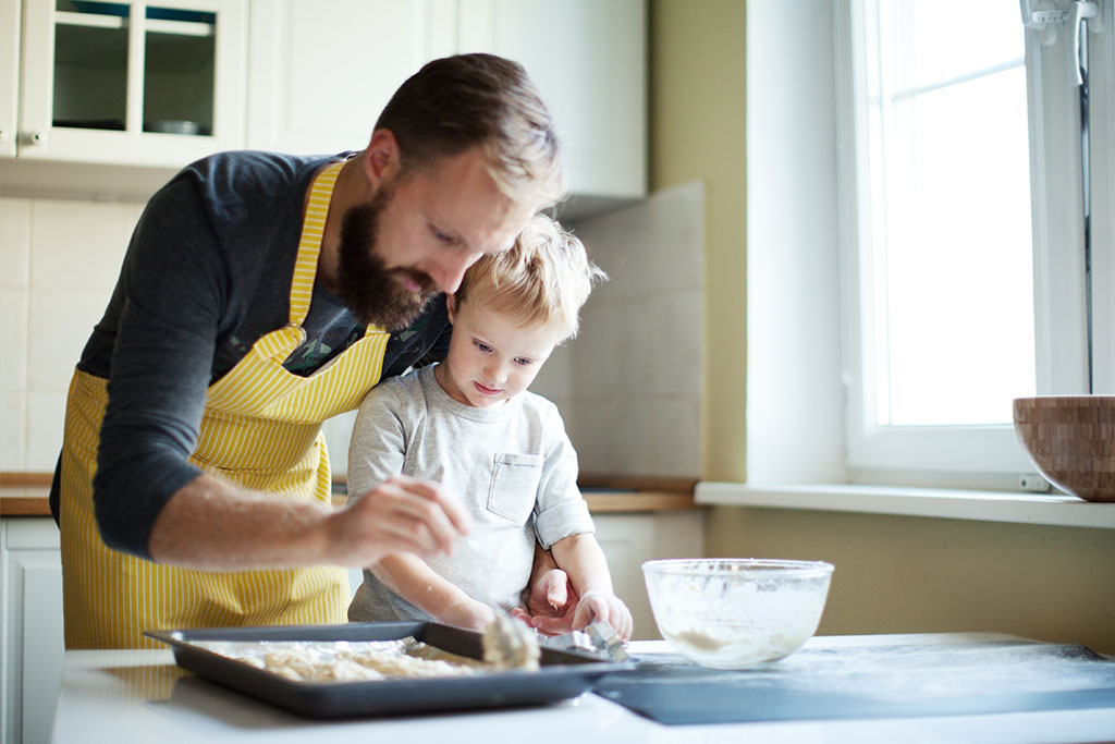 Singlefar bøger brød med sit barn